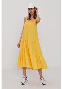 Superdry - Sukienka. Kolor: żółty. Materiał: dzianina. Długość rękawa: na ramiączkach. Wzór: gładki