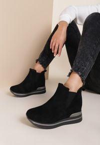 Renee - Czarne Sneakersy Prise. Kolor: czarny