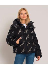 Czarna kurtka na zimę, z aplikacjami