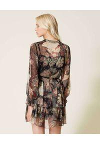 TwinSet - TWINSET - Sukienka z kwiatowym nadrukiem. Typ kołnierza: kołnierz z falbankami. Kolor: czarny. Wzór: kwiaty, nadruk. Długość: mini