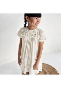 Mayoral Sukienka codzienna 6938 Biały Regular Fit. Okazja: na co dzień. Kolor: biały. Typ sukienki: proste. Styl: casual