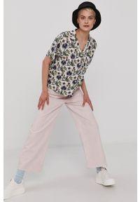 Vans - Koszula. Materiał: tkanina. Długość rękawa: krótki rękaw. Długość: krótkie