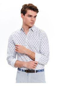 TOP SECRET - Koszula lniana z nadrukiem slim fit. Materiał: len. Długość rękawa: długi rękaw. Długość: długie. Wzór: nadruk. Sezon: lato