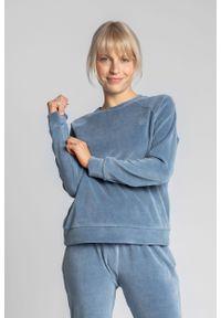 MOE - Pluszowa Bluza Haftem - Niebieska. Kolor: niebieski. Materiał: bawełna, poliester. Wzór: haft