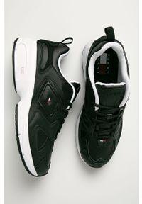 Czarne sneakersy Tommy Jeans z okrągłym noskiem, na sznurówki