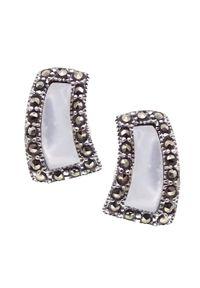 Braccatta - NANA Srebrne kolczyki markazyty masa perłowa romb. Materiał: srebrne. Kolor: srebrny, biały, wielokolorowy. Wzór: geometria. Kamień szlachetny: markazyt, perła