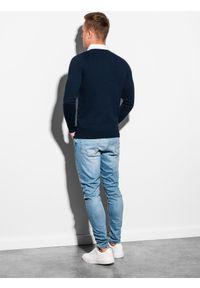 Niebieski sweter Ombre Clothing z dekoltem w serek, klasyczny