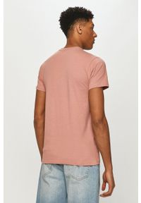 Helly Hansen - T-shirt. Okazja: na co dzień. Kolor: różowy. Materiał: dzianina. Wzór: nadruk. Styl: casual
