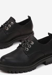 Born2be - Czarne Półbuty Chionane. Wysokość cholewki: przed kostkę. Nosek buta: okrągły. Kolor: czarny. Wzór: aplikacja. Obcas: na obcasie. Wysokość obcasa: średni