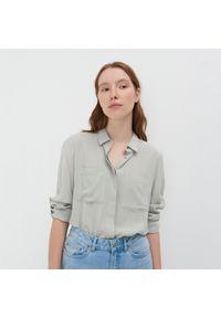 Zielona koszula Sinsay klasyczna
