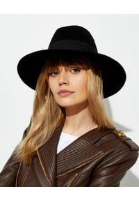MAISON MICHEL PARIS - Czarny kapelusz Kate. Kolor: czarny. Materiał: futro, materiał. Wzór: aplikacja. Styl: elegancki