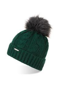 BRODRENE - Czapka zimowa damska z pomponem Brodrene CZ24 zielona. Kolor: zielony. Materiał: materiał. Sezon: zima
