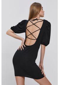 only - Only - Sukienka bawełniana. Kolor: czarny. Materiał: bawełna. Długość rękawa: krótki rękaw. Typ sukienki: dopasowane