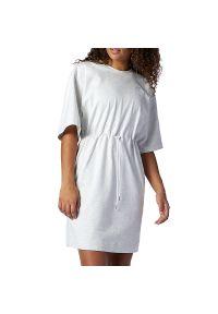 New Balance > WD11501SAH. Okazja: na co dzień. Materiał: dzianina, bawełna. Wzór: aplikacja. Typ sukienki: proste. Styl: casual