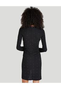 Patrizia Pepe - PATRIZIA PEPE - Czarna mini sukienka z ćwiekami. Kolor: czarny. Długość rękawa: długi rękaw. Wzór: aplikacja. Typ sukienki: kopertowe. Styl: elegancki. Długość: mini