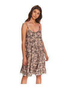 TOP SECRET - Sukienka na ramiączkach. Okazja: na co dzień. Kolor: beżowy. Materiał: dzianina. Długość rękawa: na ramiączkach. Sezon: jesień. Styl: casual