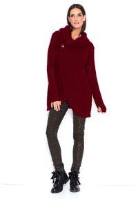 Czerwony sweter oversize Makadamia z kopertowym dekoltem
