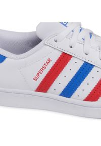 Adidas - Buty adidas - Superstar J FW5851 Ftwwht/Blue/Scarle. Wysokość cholewki: przed kostkę. Zapięcie: sznurówki. Kolor: biały. Materiał: skóra. Szerokość cholewki: normalna. Wzór: gładki. Sezon: lato. Styl: sportowy, klasyczny, młodzieżowy