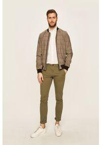 Brązowe spodnie Pepe Jeans