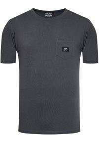 Vans T-Shirt Woven Patch VN0A5KD9 Szary Classic Fit. Kolor: szary
