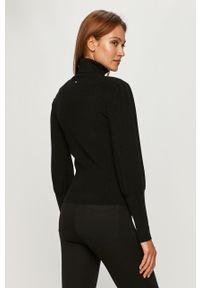 Czarny sweter Silvian Heach na co dzień, klasyczny