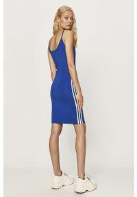 Niebieska sukienka adidas Originals z aplikacjami, dopasowana, na co dzień, casualowa