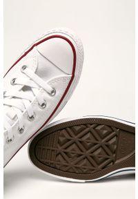 Converse - Trampki. Nosek buta: okrągły. Zapięcie: sznurówki. Kolor: biały. Materiał: guma. Szerokość cholewki: normalna
