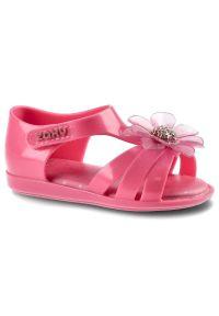 Różowe sandały zaxy