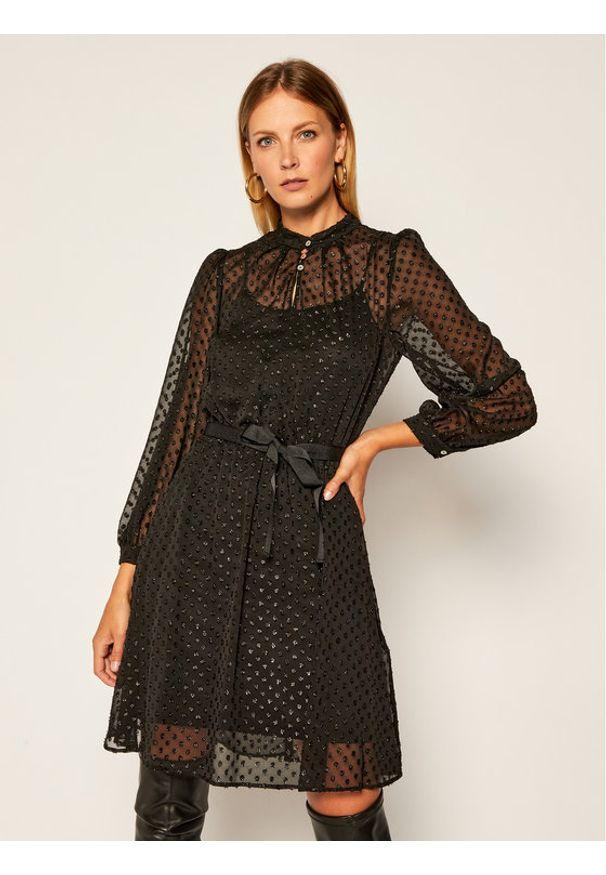 iBlues Sukienka koktajlowa Calle 72261906 Czarny Regular Fit. Kolor: czarny. Styl: wizytowy