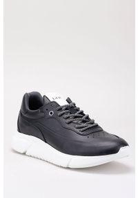 Czarne sneakersy GOE z cholewką, z okrągłym noskiem