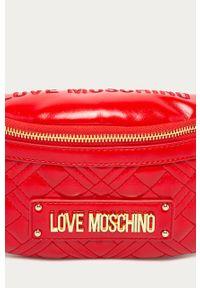 Czerwona nerka Love Moschino z aplikacjami