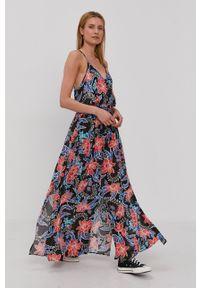 Rip Curl - Sukienka. Kolor: czarny. Materiał: materiał. Długość rękawa: na ramiączkach. Typ sukienki: rozkloszowane