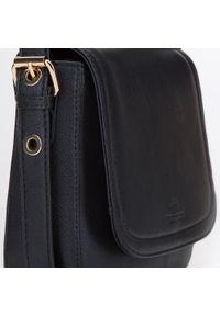 Wittchen - Damska listonoszka skórzana saddle bag. Kolor: czarny. Wzór: haft, aplikacja. Dodatki: z haftem. Materiał: skórzane. Styl: klasyczny, elegancki, retro