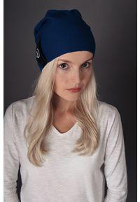 Niebieska czapka Hultaj Polski w kolorowe wzory, klasyczna