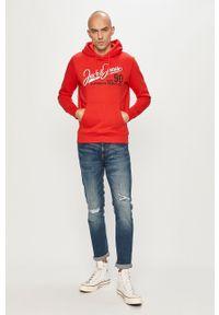 Czerwona bluza nierozpinana Jack & Jones z kapturem, casualowa, na co dzień, z nadrukiem