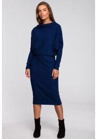 MOE - Granatowa Nowoczesna Sukienka Dzianinowa. Kolor: niebieski. Materiał: dzianina