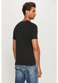 Czarny t-shirt Emporio Armani z okrągłym kołnierzem, casualowy, na co dzień