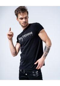 GUNS & TUXEDOS - Czarny t-shirt z logo Back Black. Kolor: czarny. Materiał: jeans, bawełna. Wzór: nadruk. Styl: rockowy