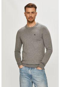 Calvin Klein Jeans - Sweter. Okazja: na co dzień. Kolor: szary. Materiał: dzianina. Długość rękawa: długi rękaw. Długość: długie. Styl: casual
