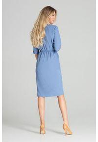Figl - Asymetryczna sukienka midi z gumą w pasie niebieska. Okazja: do pracy, na co dzień. Kolor: niebieski. Materiał: guma. Typ sukienki: asymetryczne. Styl: casual. Długość: midi