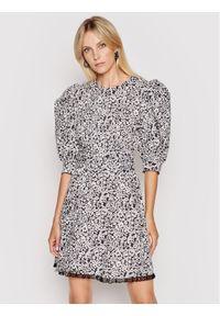 Custommade Sukienka codzienna Lenda 212377401 Czarny Regular Fit. Okazja: na co dzień. Kolor: czarny. Typ sukienki: proste. Styl: casual