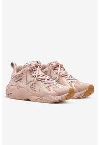 Różowe sneakersy ARKK Copenhagen na obcasie, z cholewką, na sznurówki