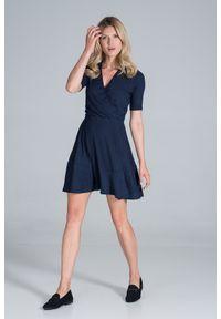 Figl - Krótka Dzianinowa Sukienka Kopertowa - Granatowa. Kolor: niebieski. Materiał: dzianina. Typ sukienki: kopertowe. Długość: mini