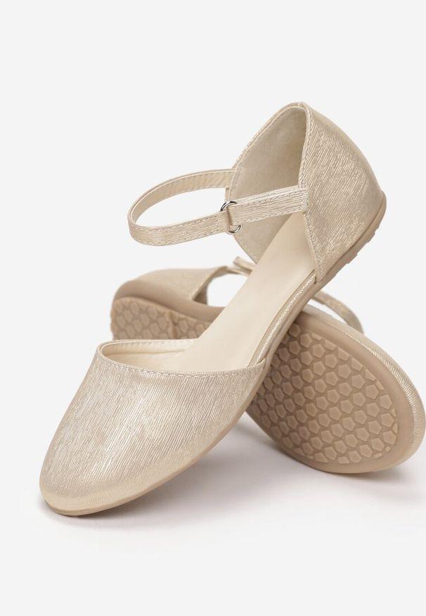 Złote baleriny Born2be
