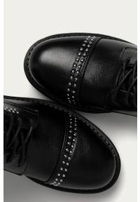 Czarne botki Answear Lab z cholewką, wakacyjne, z okrągłym noskiem
