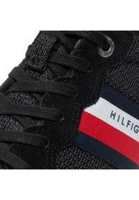 Sneakersy TOMMY HILFIGER - Essential Mesh Runner FM0FM03417 Black BDS. Okazja: na co dzień. Kolor: czarny. Materiał: zamsz, materiał, skóra. Szerokość cholewki: normalna. Styl: casual, klasyczny, elegancki, sportowy