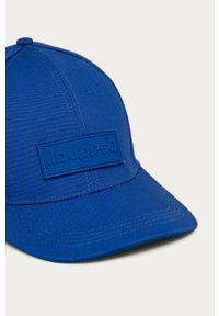Niebieska czapka z daszkiem Desigual