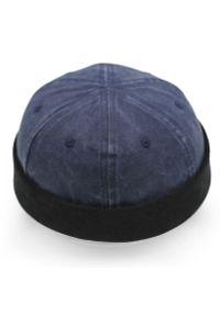 Niebieska czapka Pako Jeans na wiosnę