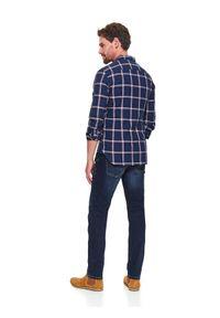 TOP SECRET - Koszula w kratę taliowana. Okazja: na co dzień, do pracy. Kolor: niebieski. Długość rękawa: długi rękaw. Długość: długie. Sezon: zima. Styl: casual, klasyczny