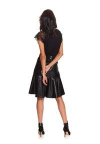 Czarna bluzka TOP SECRET z krótkim rękawem, krótka